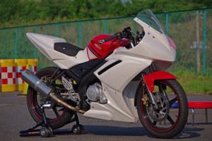110518_yzf_r15_racer_w81