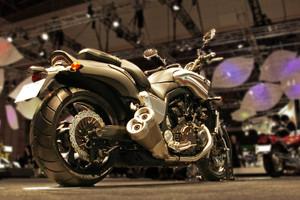 Yamaha_vmax_2012_w81