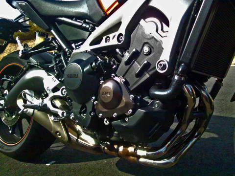 140219_31_mt09_engine